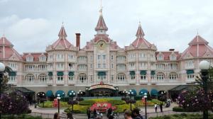 Liburan di Disneyland