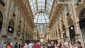 Bagian dalam Galleria Vittorio Emanuele II