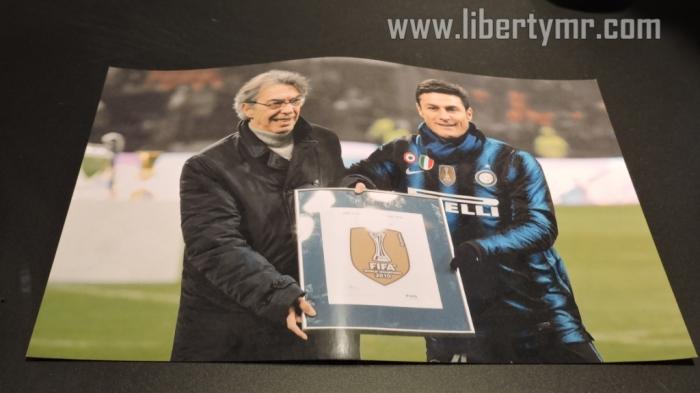 Mantan presiden dan kapten Inter : Masimo Moratti dan Javier Zanetti saat menjadi juara piala dunia antar klub FIFA 2010